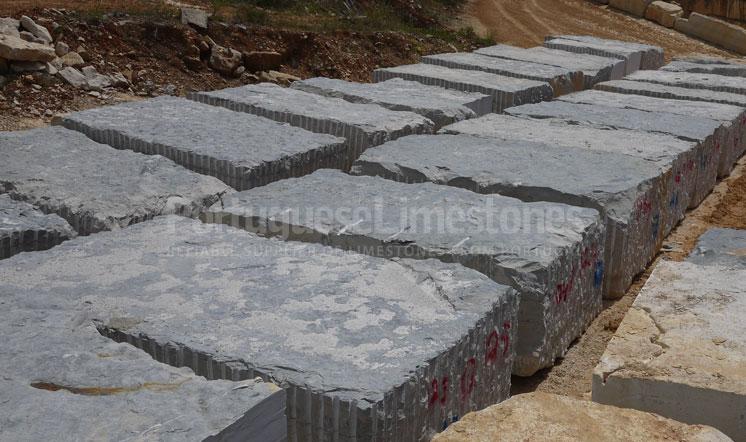 Ataija Blue limestone blocks