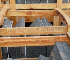 Limestone kerbs packing