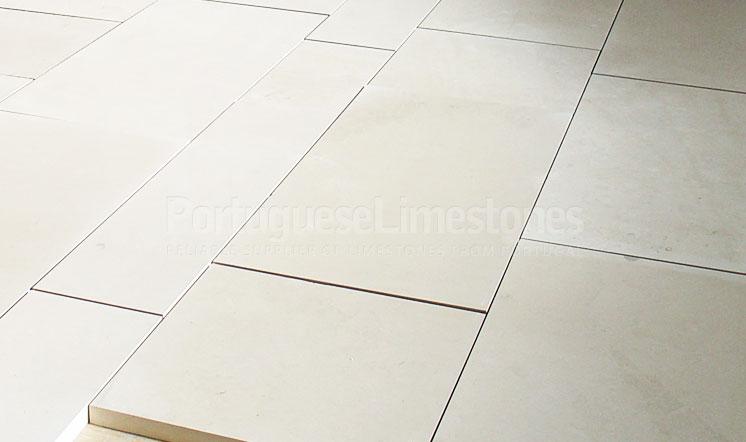 Moleanos Fine limestone cladding panels