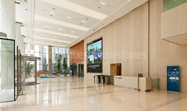 Moleanos Fine limestone flooring