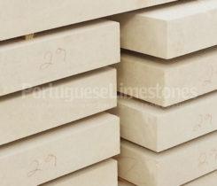 Portuguese limestone production
