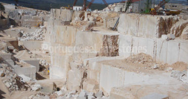 Portuguese limestones quarry